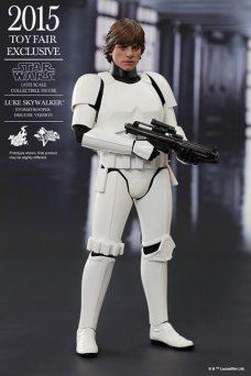 STGCC-Hot-Toys-Star-Wars-Luke-Skywalker-Stormtrooper-Disguise