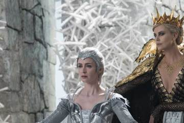 The Huntsman Winter War trailer