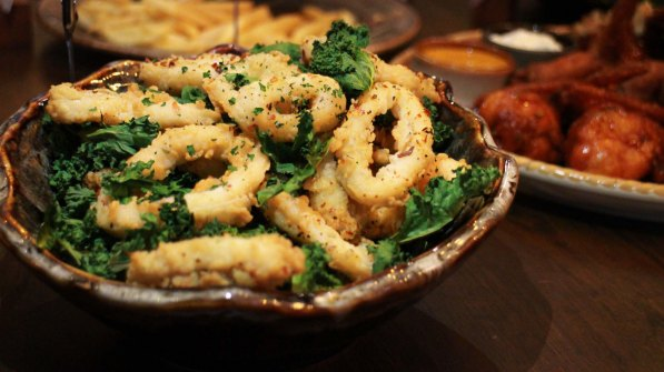 Crispy Kalemari – Battered squid garnished with Kale