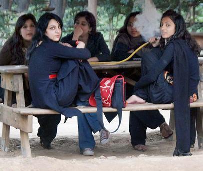 Pakistani girls smoking sheesha
