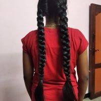 Beautiful black 24 inches lengthy hair