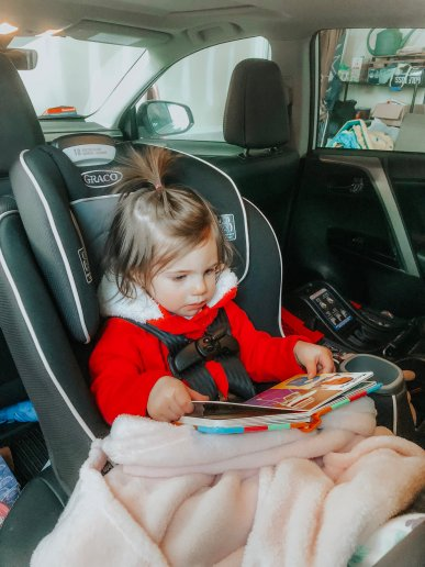 toddler entertained in car