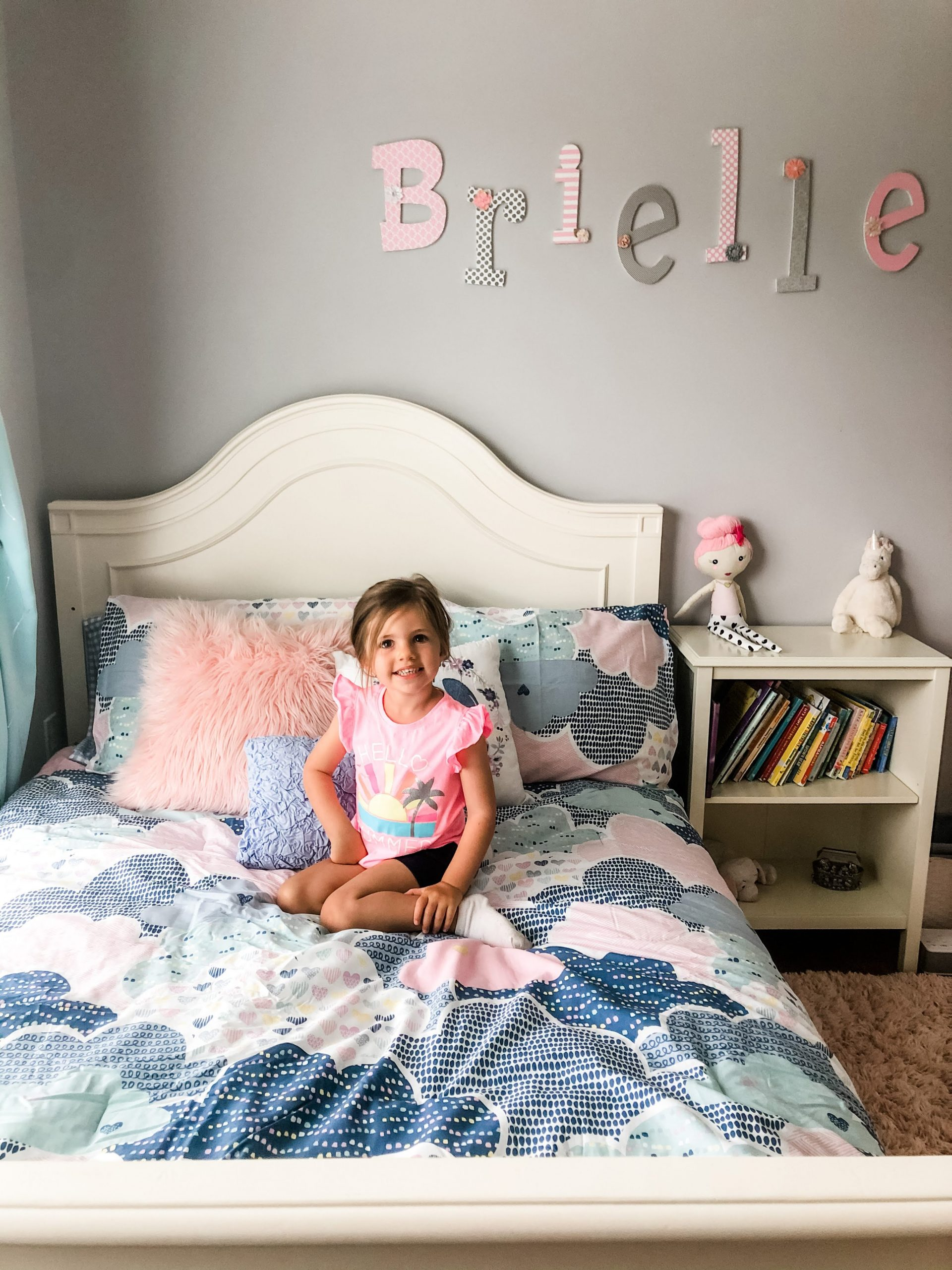 Learn when to transition to a toddler bed or full size bed for your child & tips to make the change easier, safer, & more comfortable on them