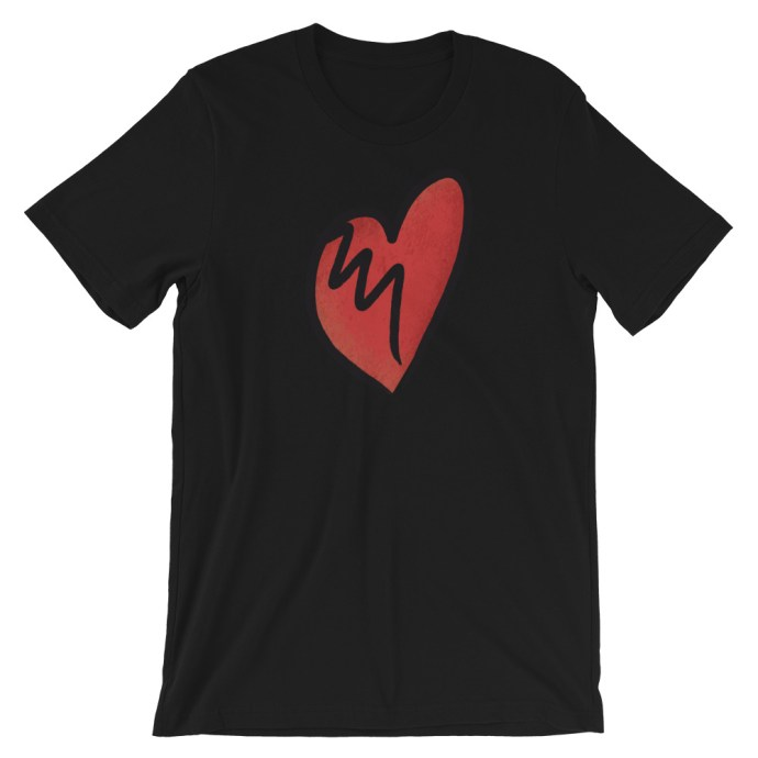 broken heart t-shirt-black