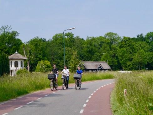 Riding along Zandpad