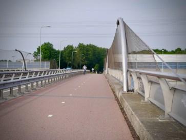 Bridge over the A2 motorway on Burgemeester Waverijnweg