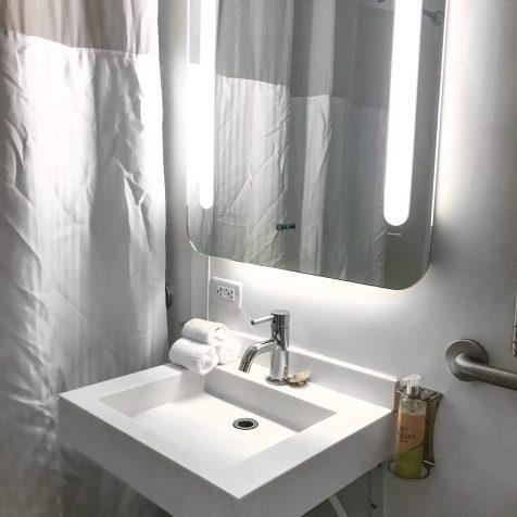 YOTEL NYC - Hotel Bathroom