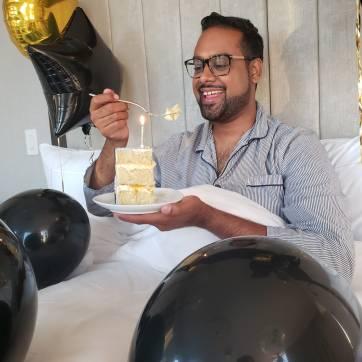 Just Sultan - Hotel X - Birthday Celebration - Shady Cake - Slice