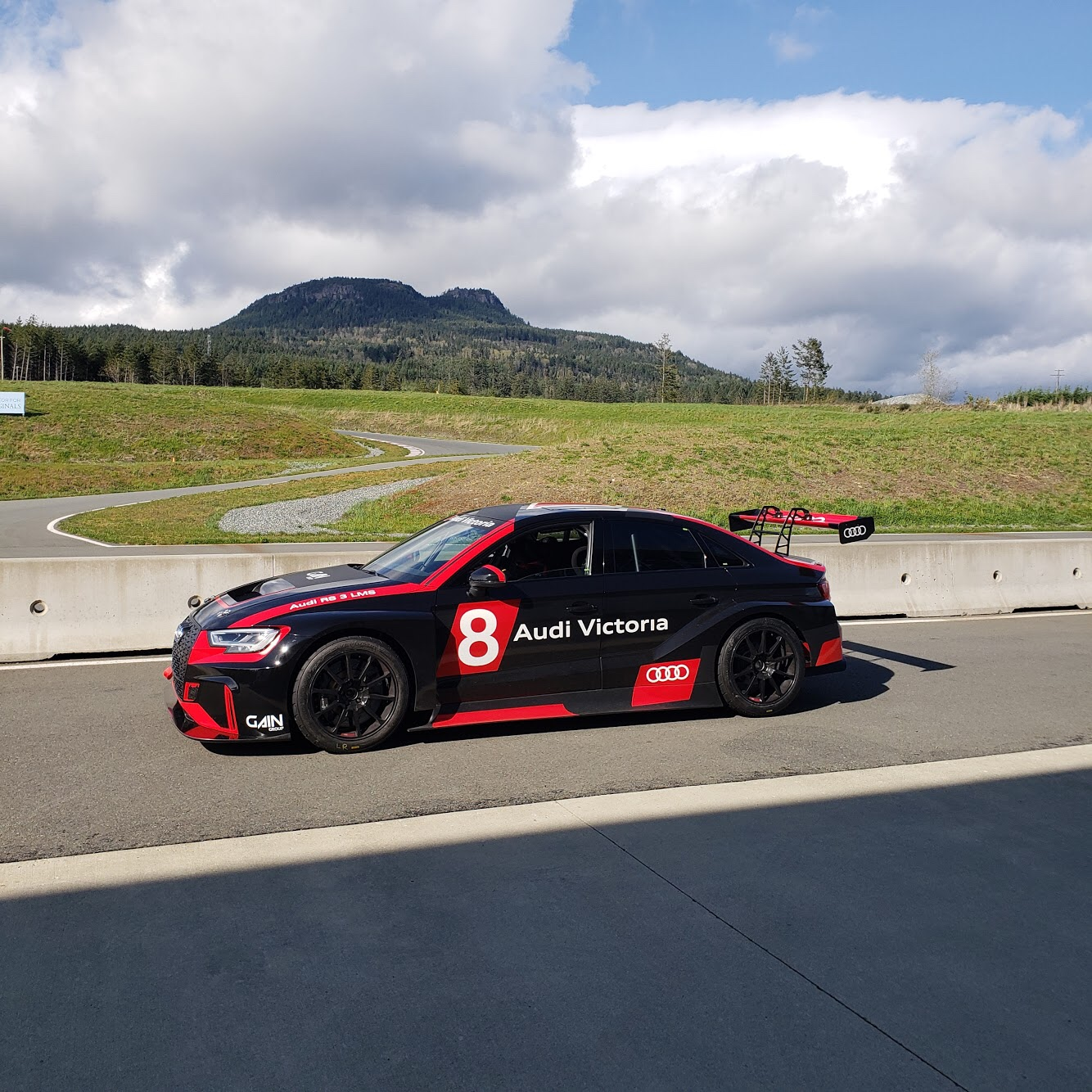 Vancouver Island Motorsport Circuit - BC - Canada - Vancouver Island - Villa Eyrie - Cowichan Tourism - British Columbia
