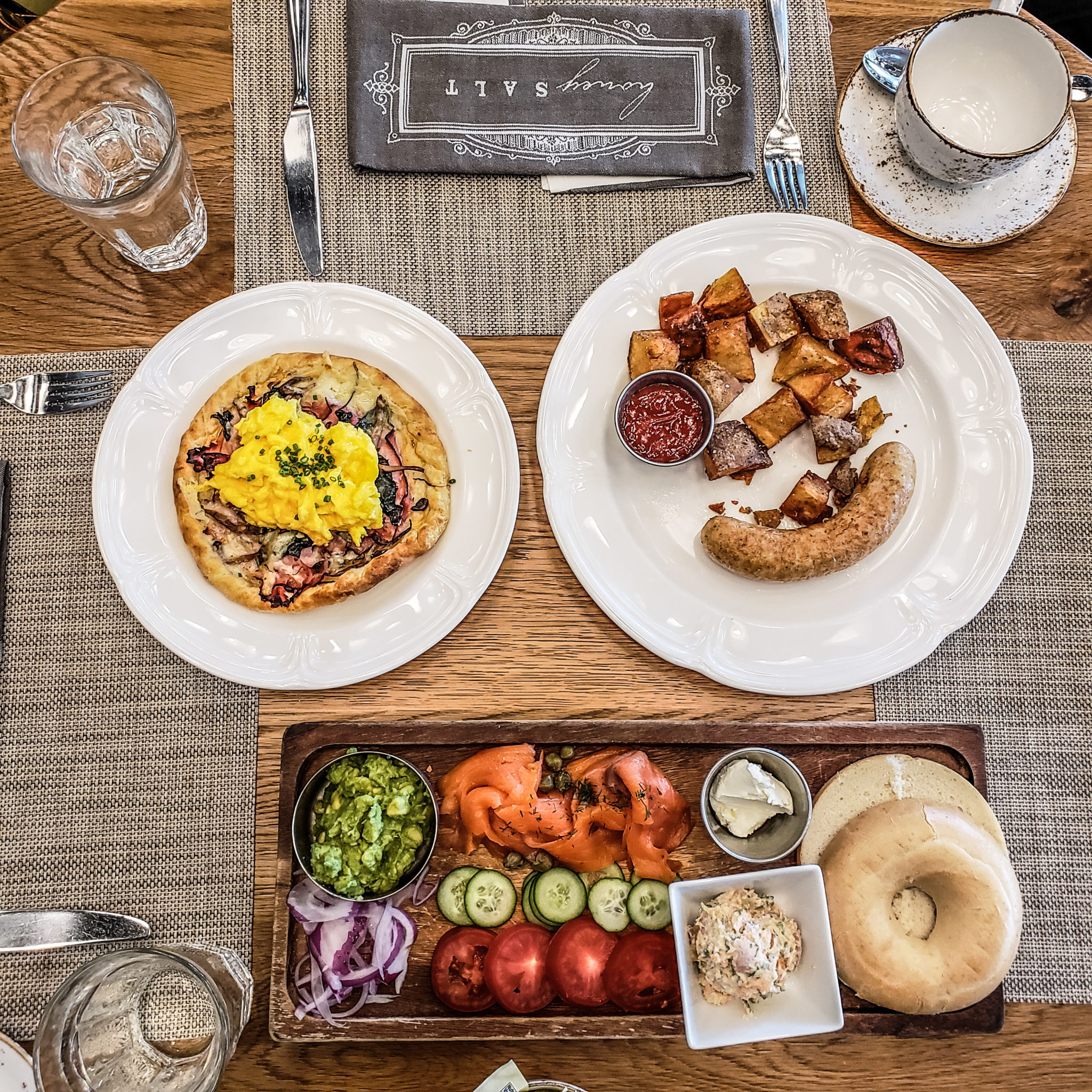 Vancouver - Canada - British Columbia - Parq Hotel - Honey Salt - Brunch - Flat lay