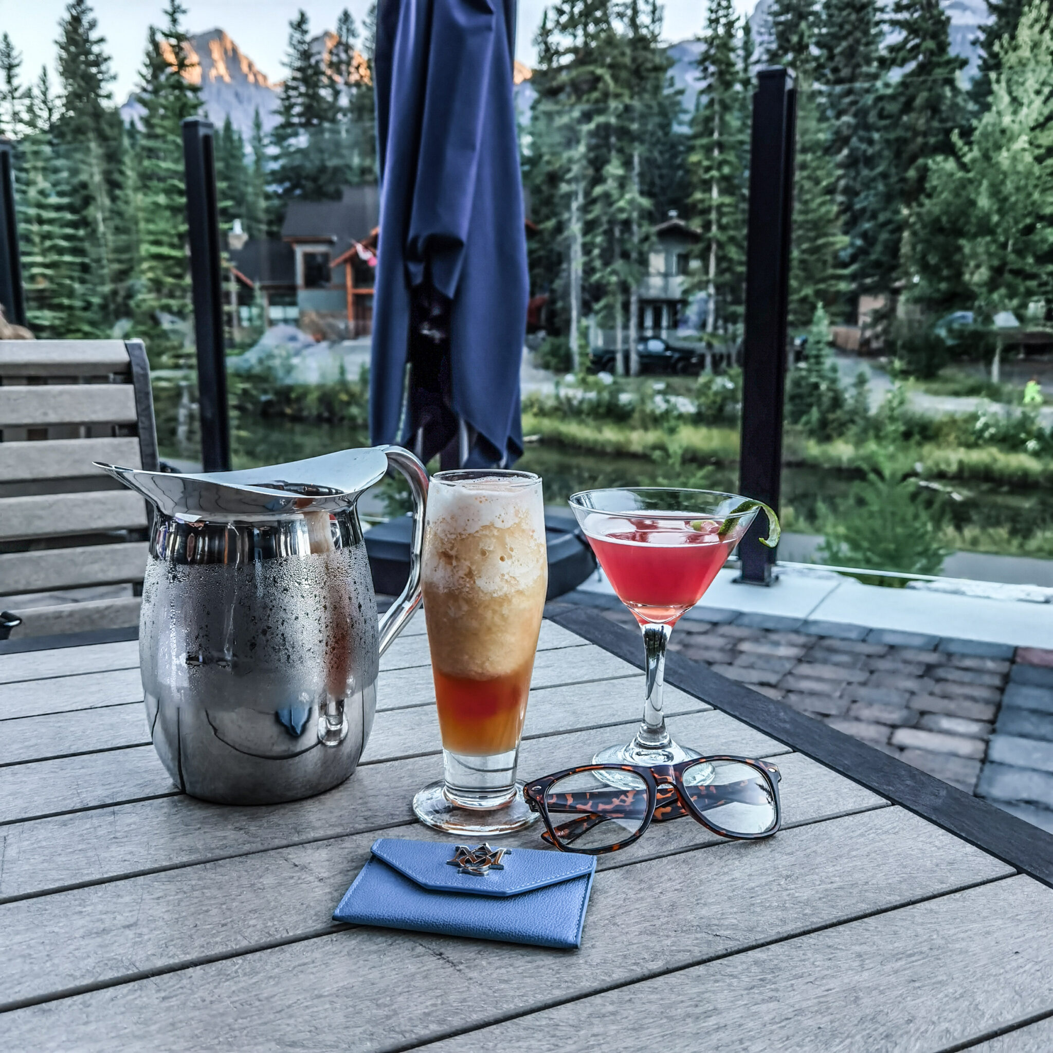 Hotel Malcolm Canmore Alberta - Canadian Rockies - Drinks