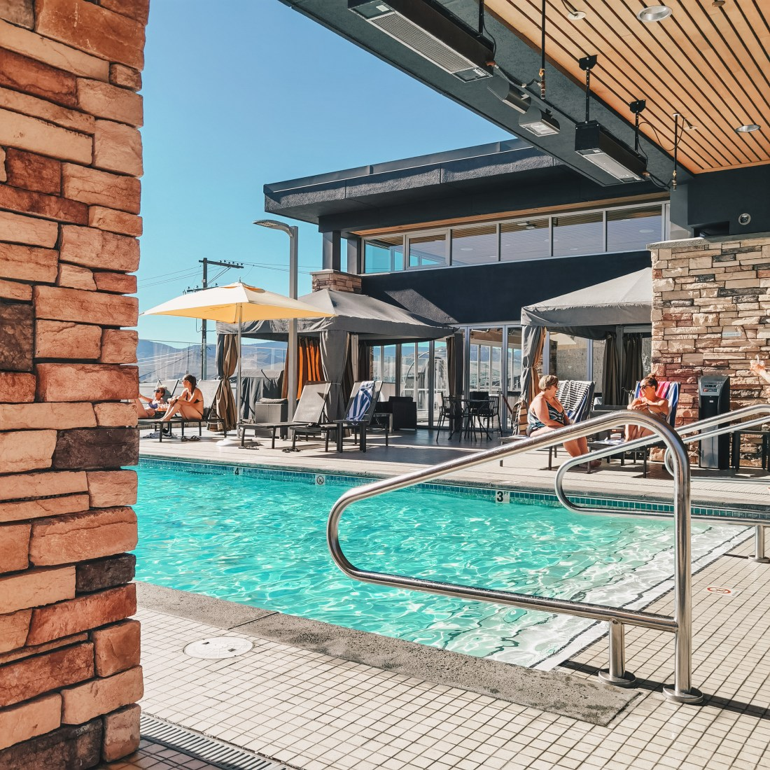 Delta Hotels by Marriott Kamloops - Cordo Kamloops - Poolside View