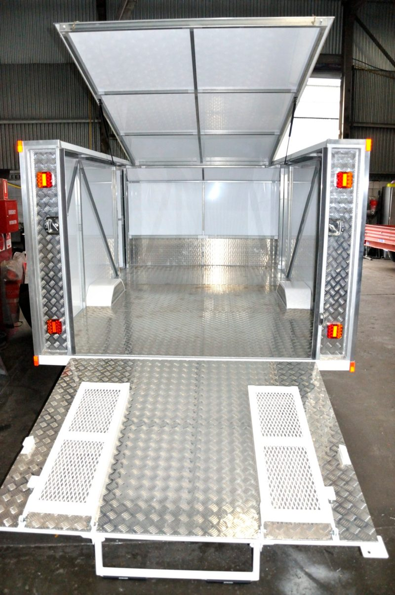 Enclosed Trailer, carry your Race Car or Collector Bike, Fold Out Ramps. Lift Up Roof. JUST TRAILERS ENG