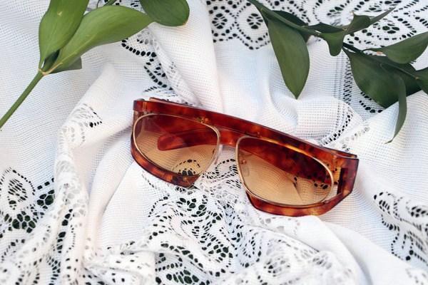 Alpha oval sunglasses