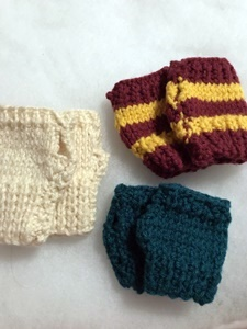 baby fingerless gloves, baby gloves, knitting, knit, diy