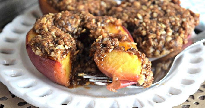 Baked Peaches with Streusel Topping – Gluten Free, Vegan, & Refined Sugar Free