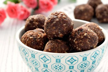 Chocolate Peanut Butter Energy Bites – Gluten Free, Vegan, and Refined Sugar Free