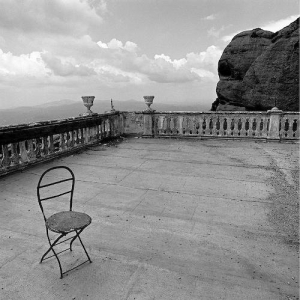 lonely-chair-g3393