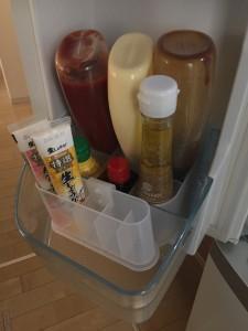 冷蔵庫内の調味料スペース