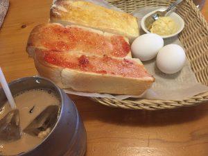 コメダ珈琲のモーニングトーストとアイスオーレ