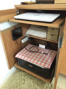 パソコンとプリンターが収納できる棚 見せない収納