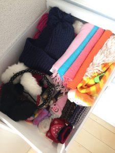 冬の防寒具たちを使いやすくする収納 無印の収納ケース