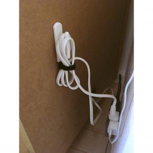 コンセント 配線 配線生理 コード生理 生理整頓 収納 電話台 裏 カーテンタッセル掛け カーテンふさかけ 工夫 すっきり