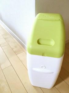 におわなくてポイ アップリカ インテリアシート リメイクシート プチリメイク 100均 ダイソー DAISO 強力消臭オムツポット オムツ捨てケース オムツ捨て オムツゴミ箱 黄緑 インテリア壊さない 簡単リメイク