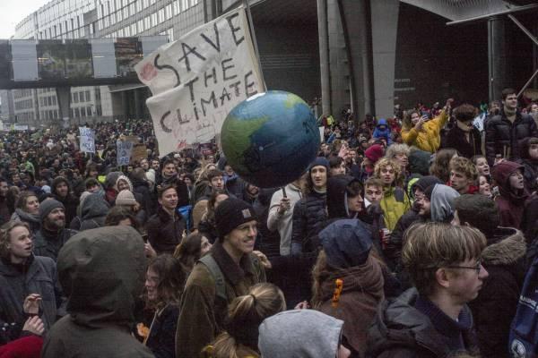 70.000 manifestantes piden medidas contra el cambio climático en Bruselas