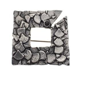zilveren rustieke broche met granaat