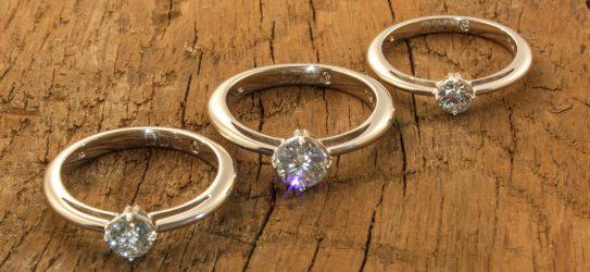 """Ring """"Royal"""" mit drei verschiedenen Steingrößen"""