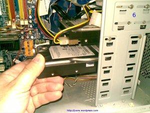 Colocar disco en bahia para poner otro disco en pc con Linux