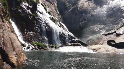 Cascada de Ézaro, un alto camino a Finisterre