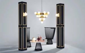 mesa de centro con sillas y lampara