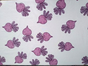 Round Table Cover – Beet Pattern