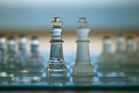 مقارنة بين شخصية العقل المدبر INTJ وشخصية قائد الأركان ENTJ