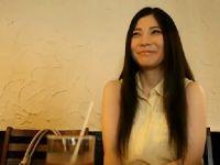 ロングの黒髪が素敵な清純系人妻がアダルトビデオで3Pでおまんこする塾女性雑誌30代 動画 動画