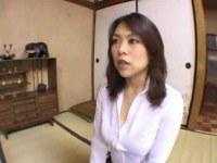 四十路巨乳おばさんがパンストを破られおめこを弄られてる日活 無料yu-tyubu