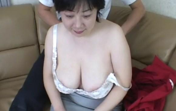 豊満な巨乳おばはんのセックス