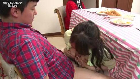 賞金を懸けて息子と中出し近親相姦していく淫乱な母の人妻熟女動画