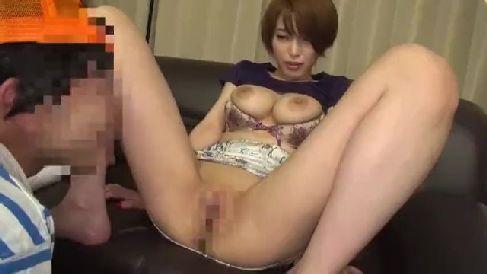 巨乳な美熟女君島みおが激しく感じて何度も昇天していく熟女セックス動画