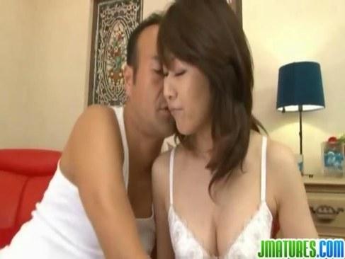 熟年夫婦でも仲良しな五十路熟女が毎日イチャイチャしながら夜の営みをしてる日活 無料yu-tyubu
