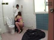 超変態美熟女が公衆トイレで即尺サービスjyukujyo動画画像無料