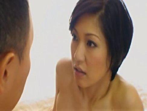 アダルトビデオに出演する田舎在住の素人熟女妻達!初めて体験する巨根とのsexで絶頂してるjyukujo無料写真