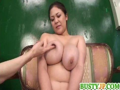 段腹完熟な身体が凄い熟年女優の櫻井夕樹が乳首やおまんこや陰核を弄られてるjyukujo動画無料