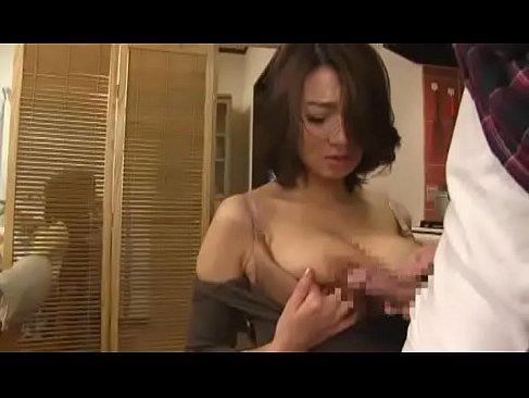 巨乳な熟女人妻が弱みを握られパイズリやイラマチオさせられてるおめこなjyukujo50.com