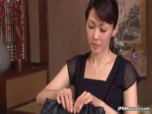 昭和の六十路熟女が喪服姿で甥といけない性交してるおめこな日活 無料yu-tyubu