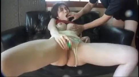 母乳が出るマゾな熟女が露出や拘束されながら敏感に感じちゃう熟女動画