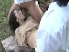 偶然が重なり母親のアナルとおまんこに息子のちんこが入っちゃったシリーズの熟女動画