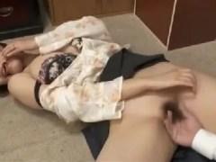 巨乳な若妻が媚薬を使い近親相姦セックスで悶える熟女動画